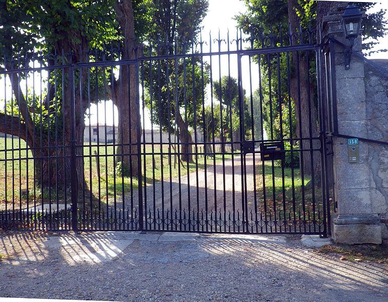 Photo du Monument Historique Château dit château de Varax situé à Marcilly-d'Azergues