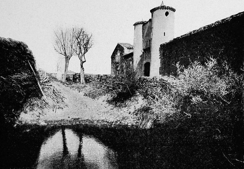 Photo du Monument Historique Maison forte La Mouchonnière, située au hameau de la Mouchonnière situé à Saint-Jean-de-Touslas