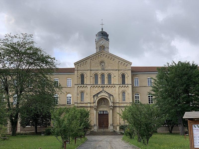 Photo du Monument Historique Collège Mongré situé à Villefranche-sur-Saône