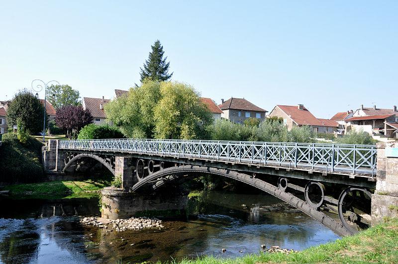 Photo du Monument Historique Pont métallique sur la rivière La Lanterne (également sur commune de Mersuay) situé à Bourguignon-lès-Conflans
