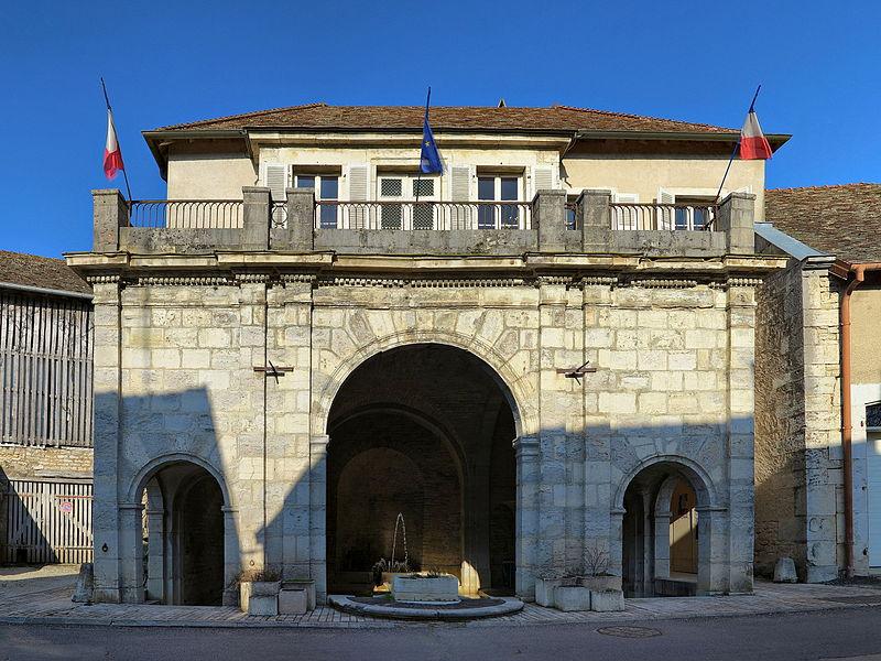 Photo du Monument Historique Mairie-Lavoir situé à Bucey-lès-Gy