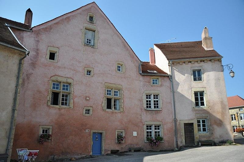 Photo du Monument Historique Maison des Hôtes situé à Faverney
