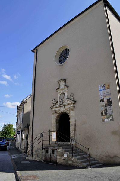 Photo du Monument Historique Ancien couvent des Carmélites situé à Gray