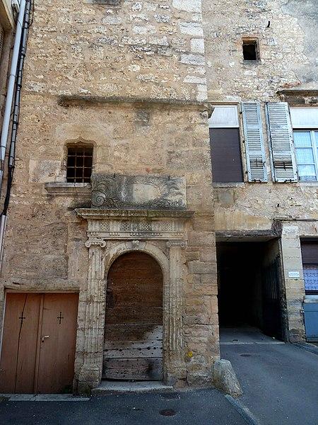 Photo du Monument Historique Maison, ancien grenier situé à Gray