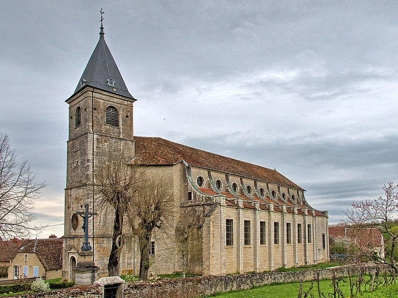 Photo du Monument Historique Eglise Saint-Symphorien situé à Gy