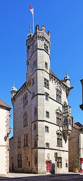 Photo du Monument Historique Hôtel de ville  dit tour des Echevins ou encore Maison carrée situé à Luxeuil-les-Bains