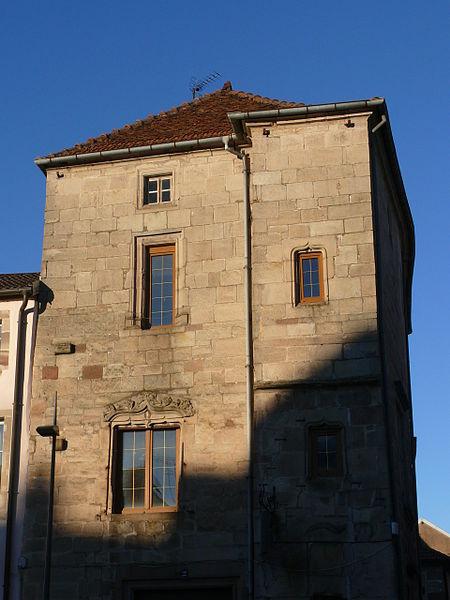 Photo du Monument Historique Maison du 16s situé à Luxeuil-les-Bains