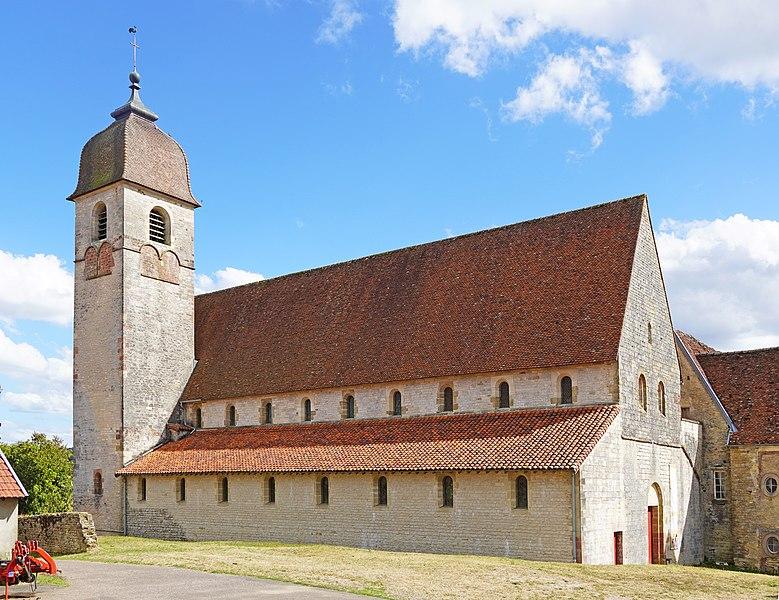 Photo du Monument Historique Ancienne église prieurale Sainte-Marie-Madeleine situé à Marast