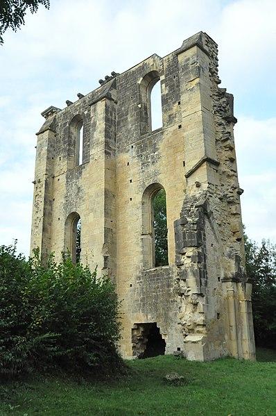 Photo du Monument Historique Ancienne abbaye de Cherlieu situé à Montigny-lès-Cherlieu