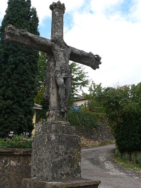 Photo du Monument Historique Croix de chemin en pierre datée de 1622 situé à Montigny-lès-Vesoul