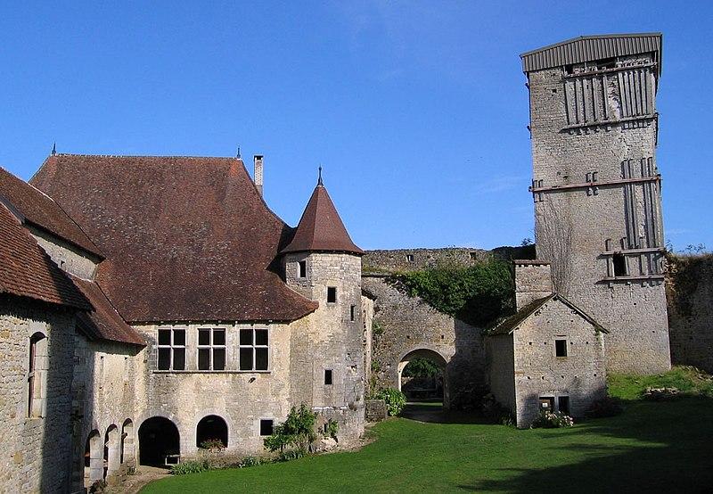 Photo du Monument Historique Château situé à Oricourt