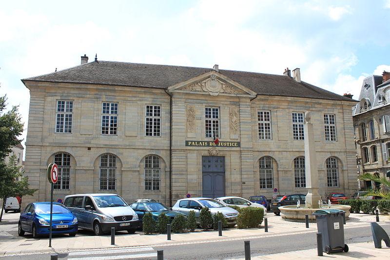 Photo du Monument Historique Palais de Justice situé à Vesoul