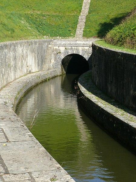 Photo du Monument Historique Canal souterrain de Saint-Albin (également sur commune d'Ovanches) situé à Scey-sur-Saône-et-Saint-Albin