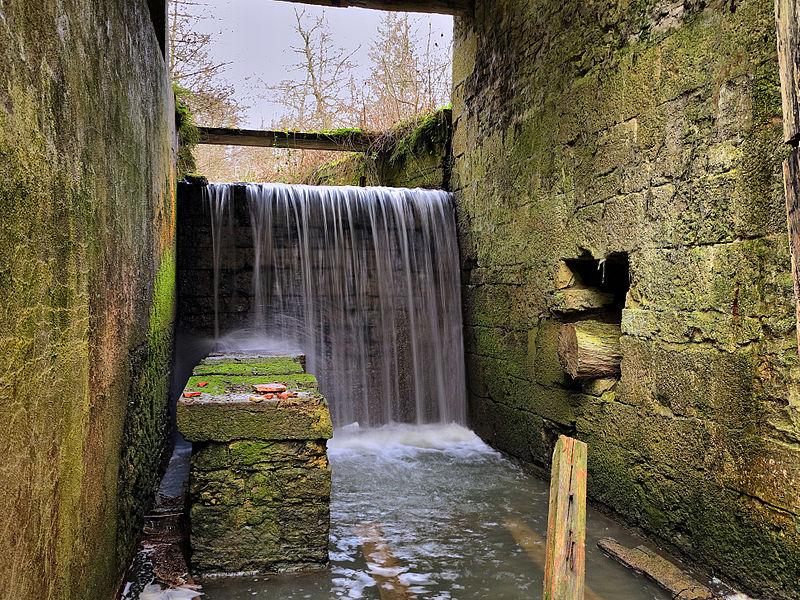 Photo du Monument Historique Moulin de la maison-forte situé à Sorans-lès-Breurey