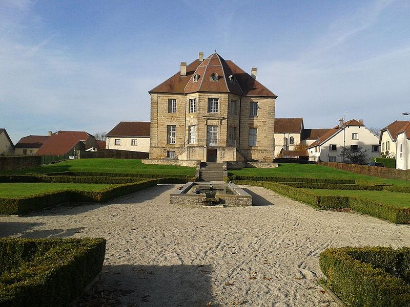 Photo du Monument Historique Château de Pusy situé à Pusy-et-Epenoux