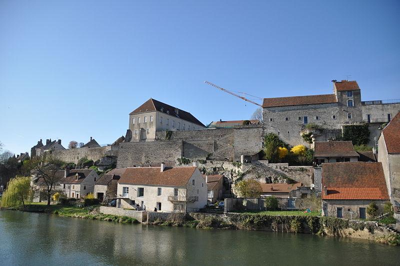 Photo du Monument Historique Enceinte médiévale situé à Pesmes