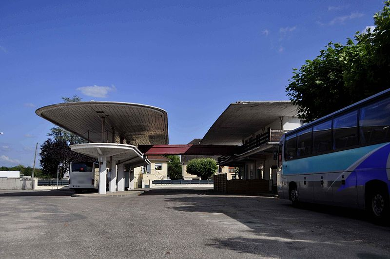 Photo du Monument Historique Gare routière situé à Gray