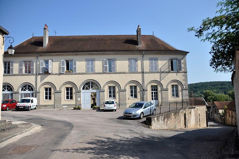 Photo du Monument Historique Ancienne gendarmerie situé à Faverney