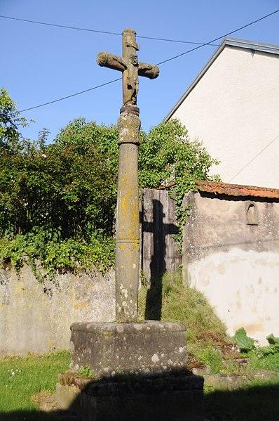Photo du Monument Historique Croix de Cemboing situé à Cemboing
