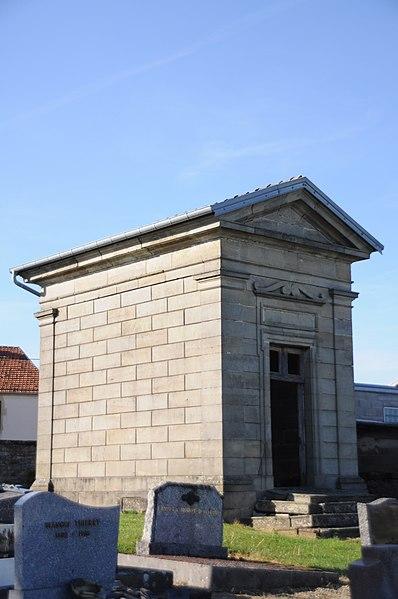 Photo du Monument Historique Monument Mathelat du cimetière situé à Cemboing
