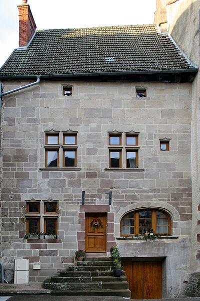 Photo du Monument Historique Maison situé à Luxeuil-les-Bains