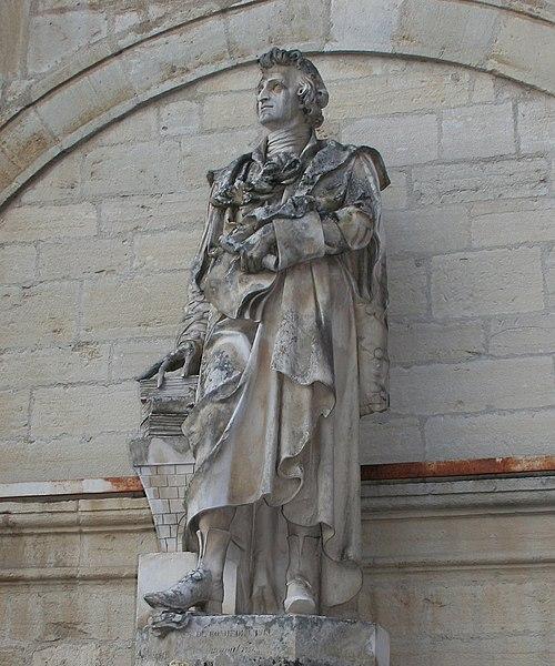Photo du Monument Historique Fontaine dite François Devosge et fontaine dite Romé-de-l'Isle situé à Gray