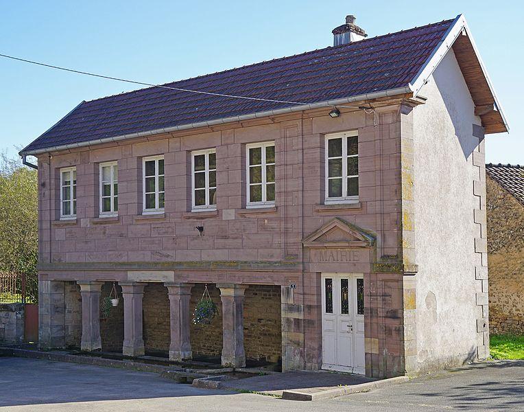 Photo du Monument Historique Mairie - lavoir situé à Belmont