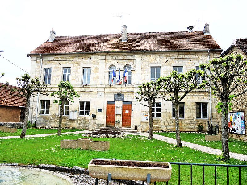 Photo du Monument Historique Ecole - Mairie - Justice de paix situé à Combeaufontaine
