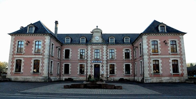 Photo du Monument Historique Ecole - Mairie - Justice de paix situé à Scey-sur-Saône-et-Saint-Albin