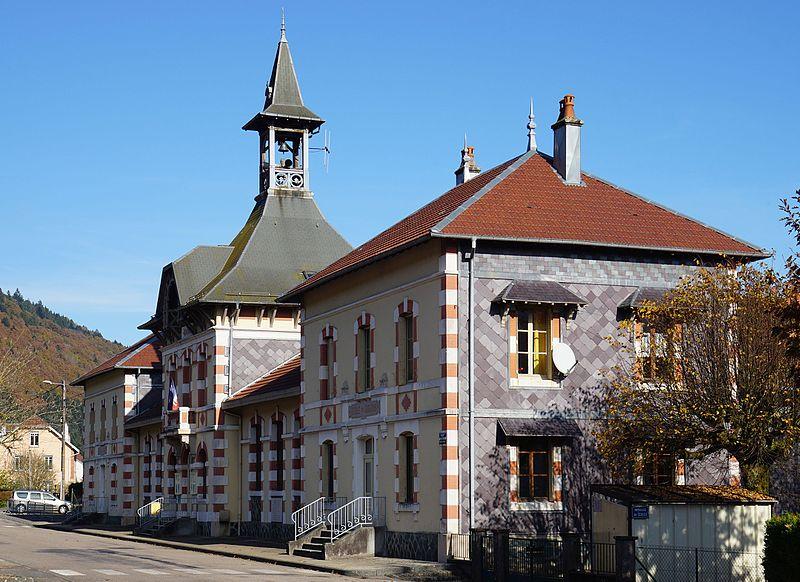 Photo du Monument Historique Mairie - Groupe scolaire situé à Servance