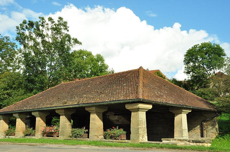 Photo du Monument Historique Grande fontaine situé à Mollans