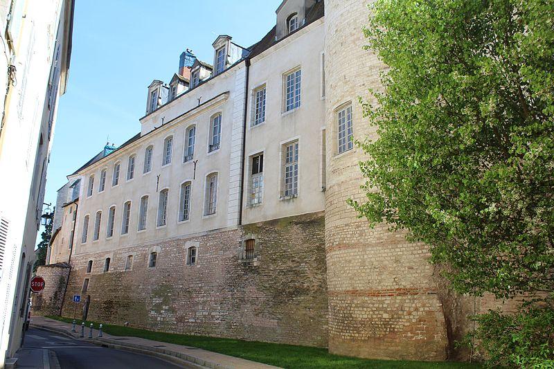 Photo du Monument Historique Ancien palais épiscopal situé à Chalon-sur-Saône