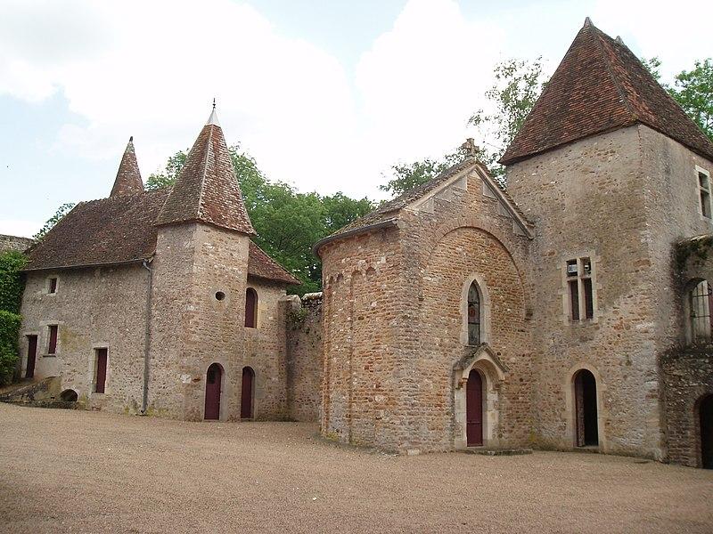 Photo du Monument Historique Château situé à La Chapelle-de-Bragny