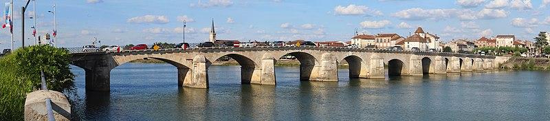 Photo du Monument Historique Pont Saint-Laurent, sur la Saône situé à Mâcon