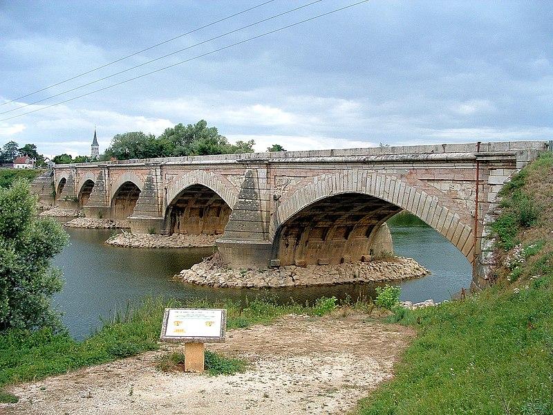 Photo du Monument Historique Pont situé à Navilly