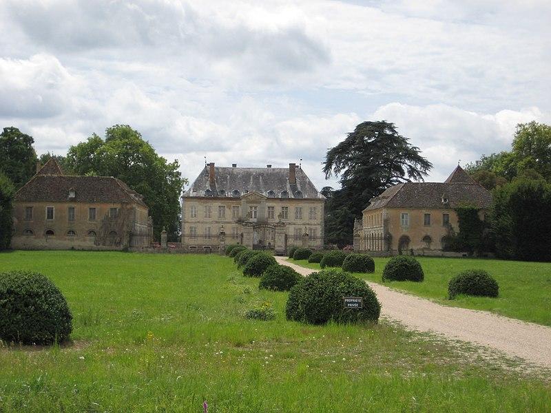 Photo du Monument Historique Château de Terrans situé à Pierre-de-Bresse