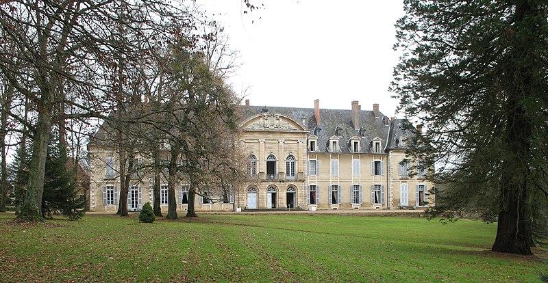 Photo du Monument Historique Château de la Ferté-sur-Grosne, ancienne abbaye cistercienne situé à Saint-Ambreuil