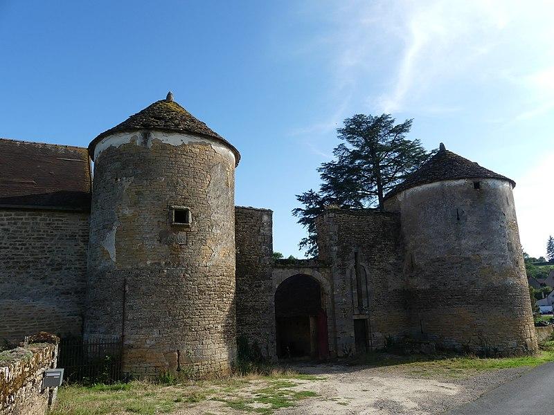 Photo du Monument Historique Château de Gros-Chigy situé à Saint-André-le-Désert