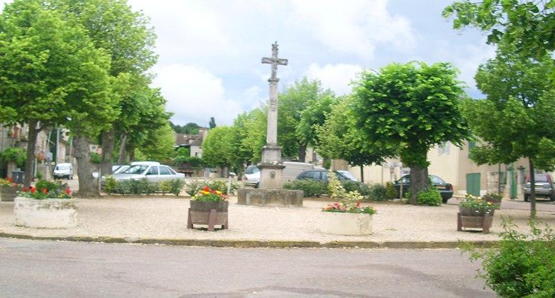 Photo du Monument Historique Croix de chemin situé à Saint-Jean-de-Vaux