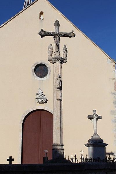 Photo du Monument Historique Croix de cimetière situé à Saint-Loup-de-Varennes