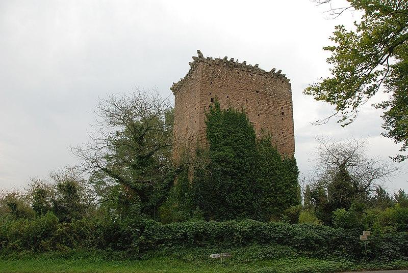 Photo du Monument Historique Donjon situé à La Salle