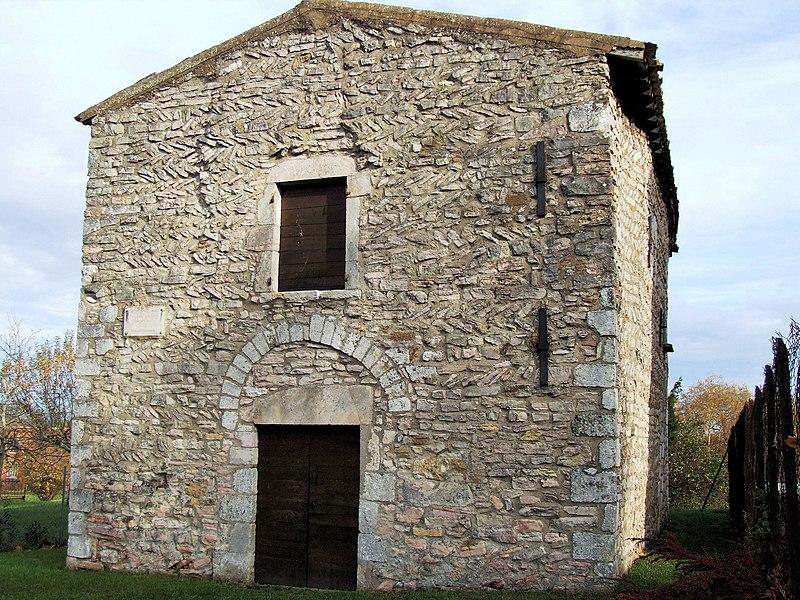 Photo du Monument Historique Chapelle Saint-Laurent situé à Tournus