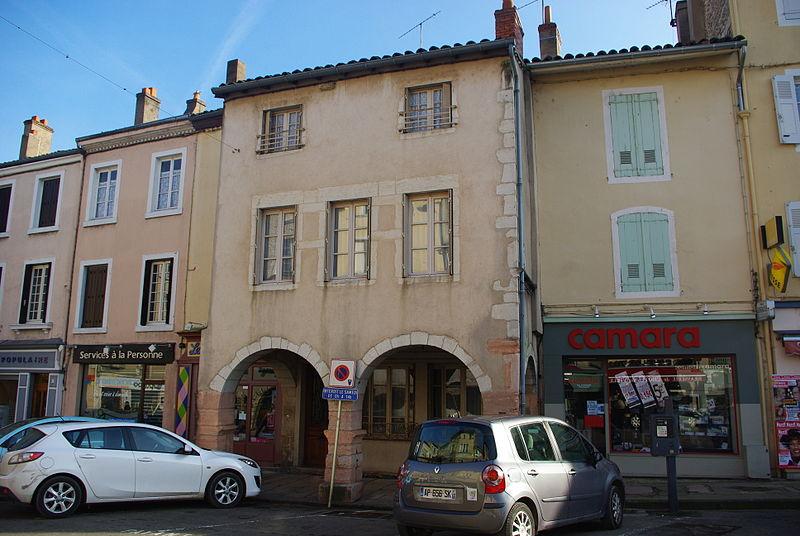 Photo du Monument Historique Immeuble à arcades situé à Tournus