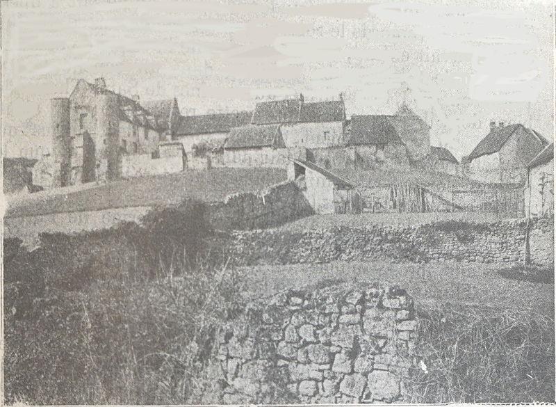 Photo du Monument Historique Prieuré de Bragny, puis cinéma de patronage situé à Saint-Vincent-Bragny