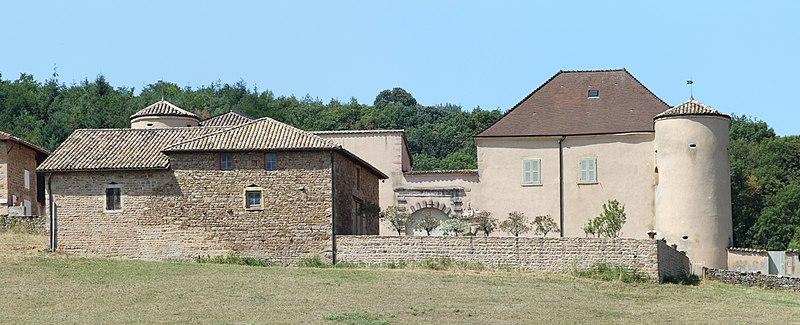 Photo du Monument Historique Château des Essertaux situé à Bussières
