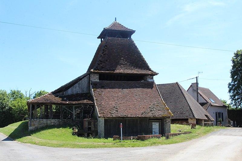 Photo du Monument Historique Ensemble industriel situé à Hautefond