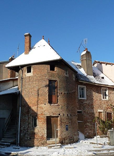 Photo du Monument Historique Tours Saint-Pierre et Saint-Paul situé à Louhans