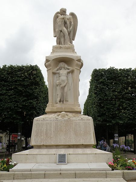 Photo du Monument Historique Monument aux morts situé à Autun