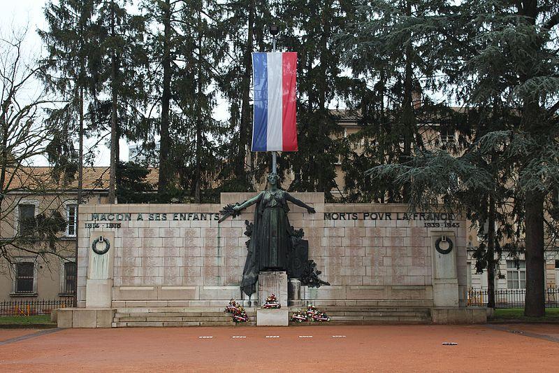 Photo du Monument Historique Monument aux morts situé à Mâcon