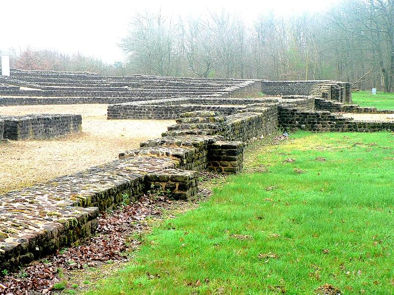 Photo du Monument Historique Théâtre gallo-romain de Cherré situé à Aubigné-Racan